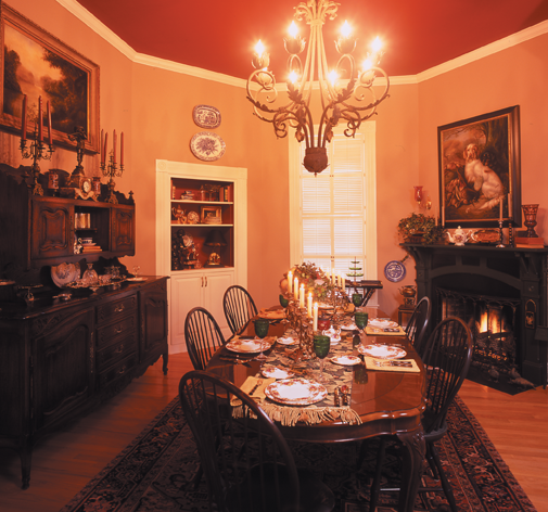 Cozy Elegance:  Treasurable appointments warm family's historic Alamo Heights home