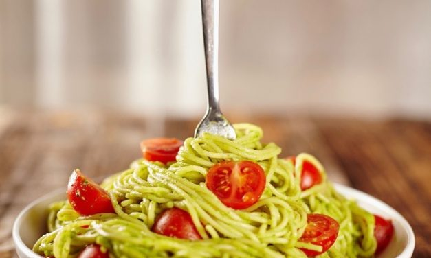Creamy Avocado Pesto Pasta