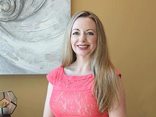 Dr. Stephanie Thomas, APRN, FNP-BC