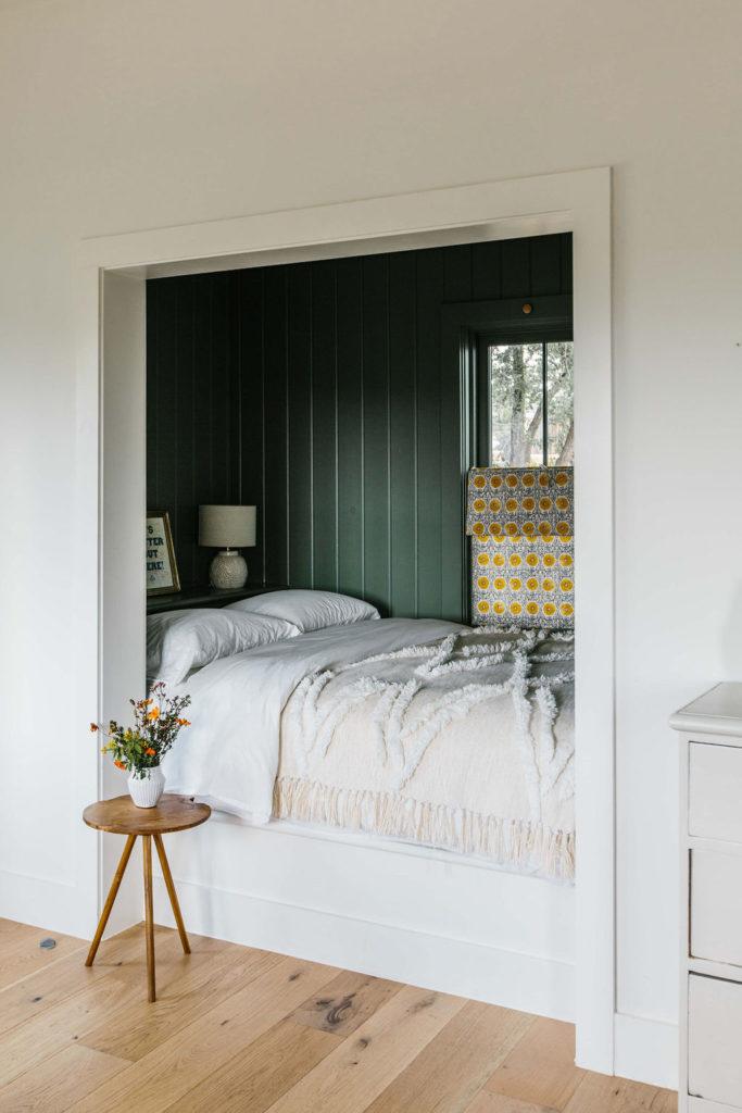 Cottage Five Bed Nook 1