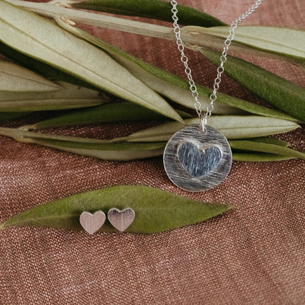 heart necklace TenThousandVil